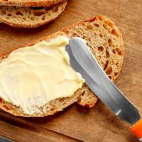 Beurres et yahourts au lait de vache et au lait de brebis.